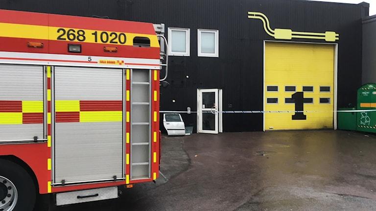 Brandbil utanför Mekonomen i Kalmar