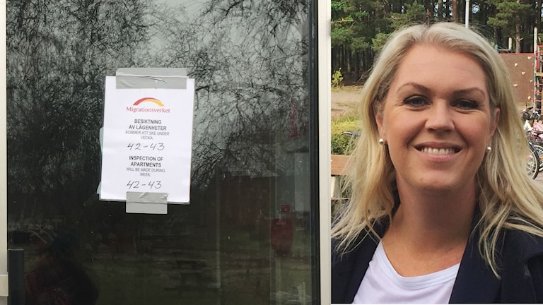 Dörr till asylboende. Lena Hallengren (S) riksdagsledamot för Kalmar län.