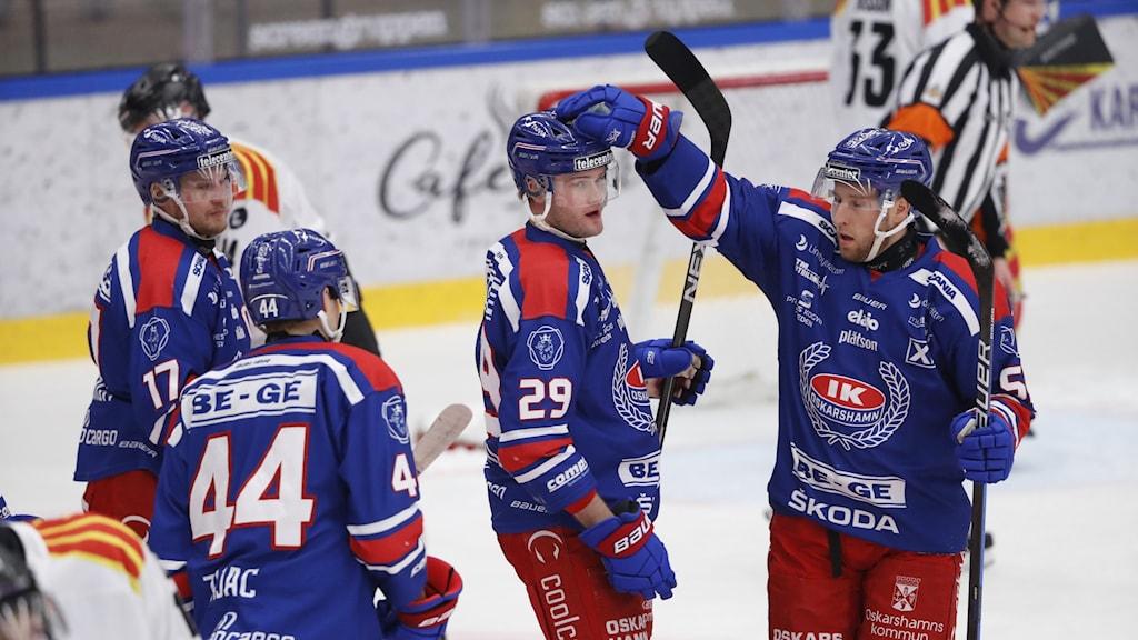 Jubel bland spelare i IK Oskarshamn.