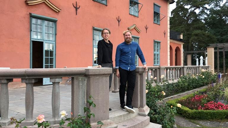 kvinna och man på villa Solbacken