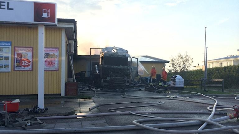 Butiken i Sandvik, Trossen brann ner