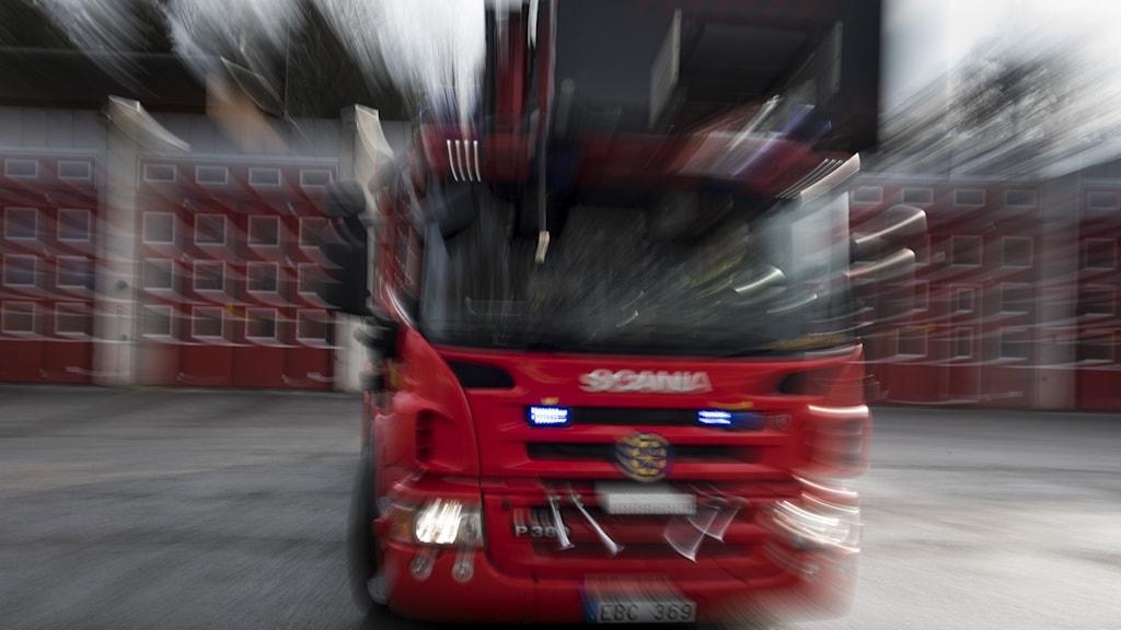 brandbil kört snabbt.