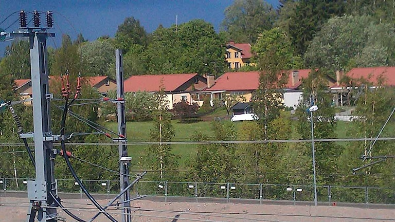 Hus i Folkesta. Foto: Fredrik Blomberg/Sveriges Radio.