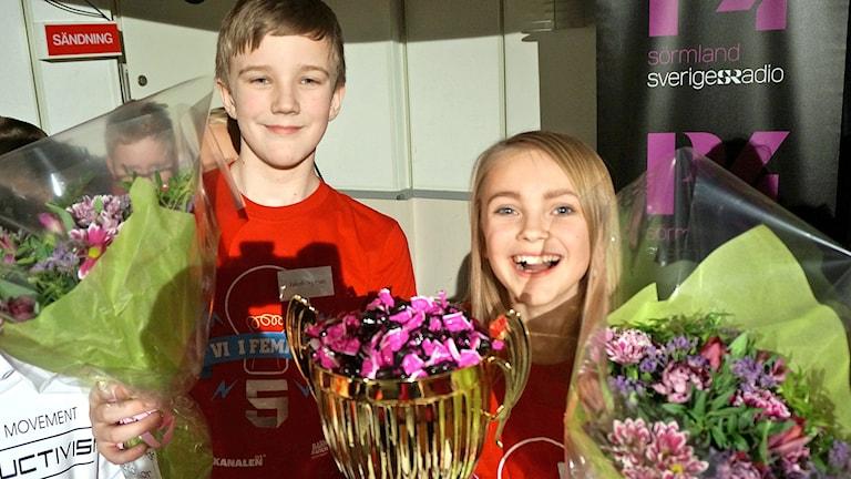 Jakob Nyman och Elise Jonmyren från Rosenkällaskolan vann den lokala finalen i Vi i femman i P4 Sörmland 2017.