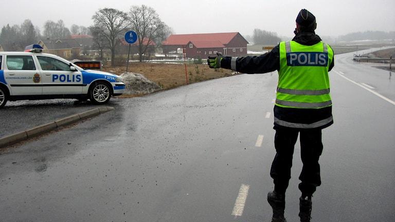 Trafikpolis. Foto: Katarina Larsson/Sveriges Radio.