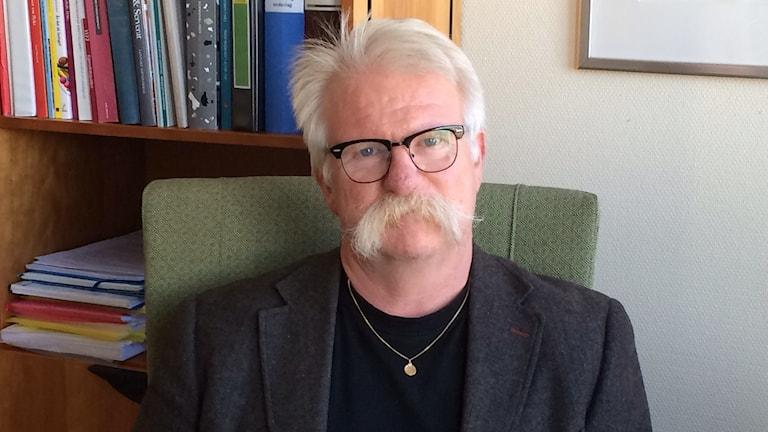 Jan-Erik Larsson socialdemokrat är kommunalråd i Flen. Foto: Katarina Wahlström/Sveriges Radio.