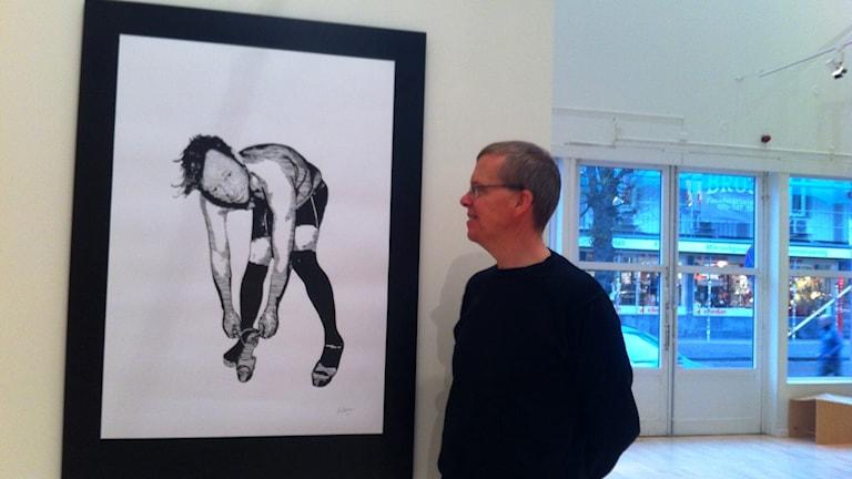 Truls Olin med Niklas Hallbergs målning