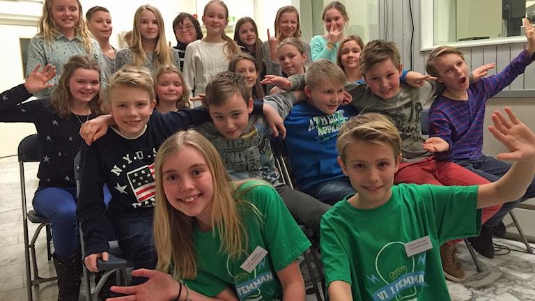 För Gripsholmsskolan tävlar Maja Helander och Herman Wrangel. Foto: Carin Vidner/Sveriges Radio.