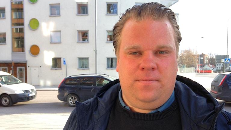 Viktor Eriksson, tränare Eskilstuna United. Foto: Jonas Carnesten/Sveriges Radio.