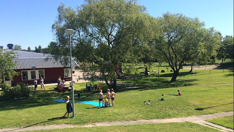 Vattenrutschkana på Flöjtvägens förskola. Foto: Andreas Johnsson/Sveriges Radio.