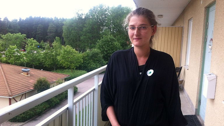 Teufika Becirovic förlorade sin pappa i massakern. Foto: Carin Fock/Sveriges Radio
