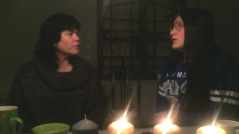 Mamma Susanne och dottern Ebba Egerink. Foto: Annizeth Åberg/Sveriges Radio