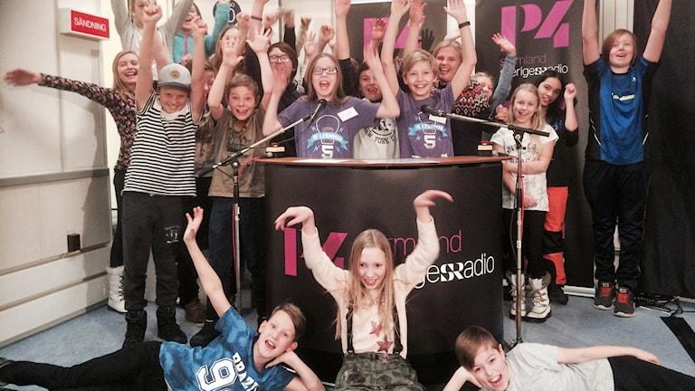 Vitalisskolan 5B från Trosa. Foto: Susanne Lindkvist Eriksson/Sveriges Radio.