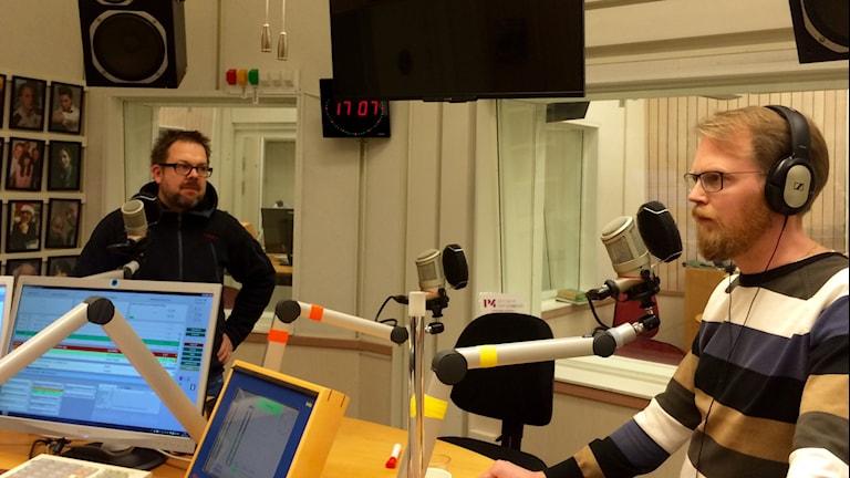 Jari Puustinen och Niklas Frykman. Foto: Annizeth Åberg/Sveriges Radio