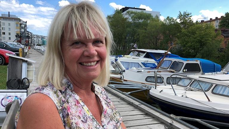 Margita Boström ler.