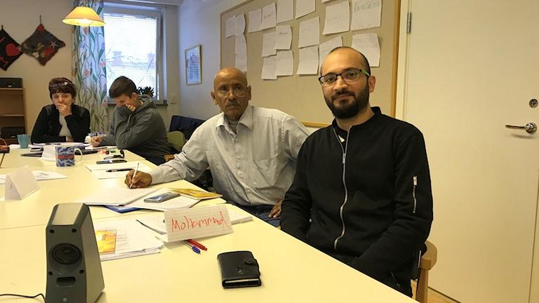 Mohammad Alhaj Nassar och hans kurskamrater på Åsa Folkhögskola.