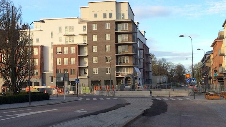 Bygge av bostäder. Foto: Fredrik Blomberg/Sveriges Radio.