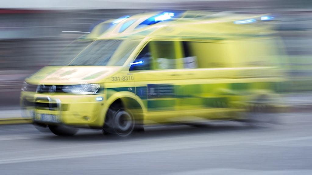 Ambulans rycker ut