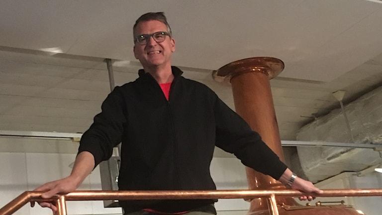 Anders Olsson, vice VD på Eskilstuna Ölkultur, ler