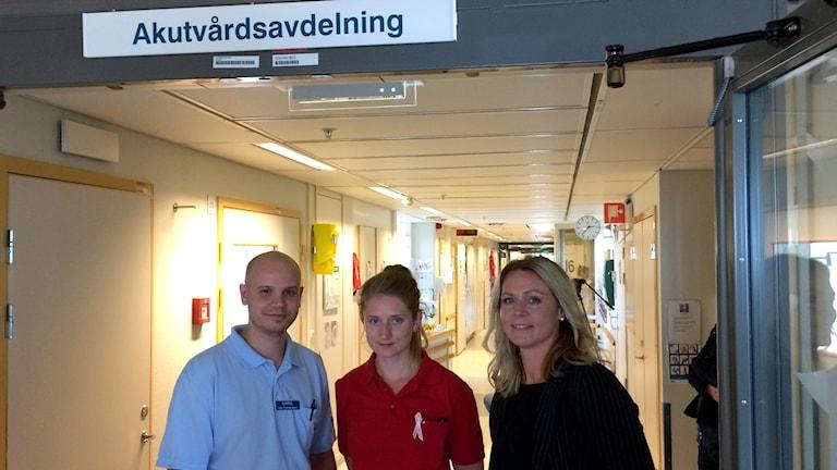 Karol Wasilewski fysioterapeut, Anna van Walraven arbetsterapeut och Cecilia von Alten Brandt projektledare.