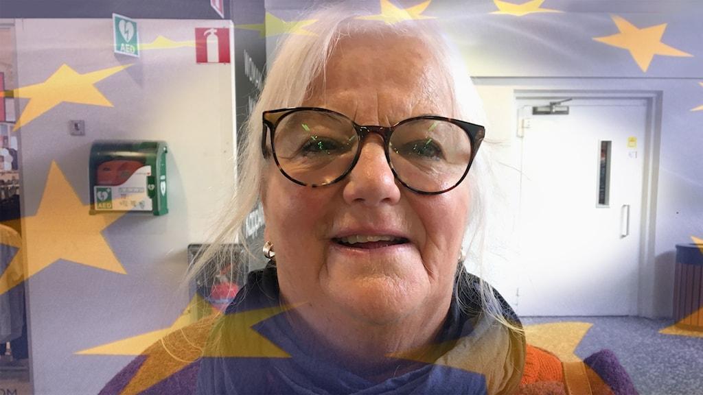 Ulla Handin ihopklippt med en EU flagga