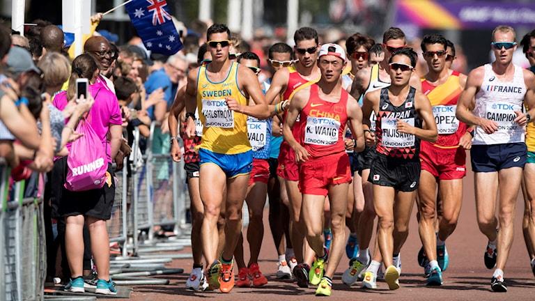 Perseus Karlström går 20km under Friidrotts-VM i London. Foto: Jessica Gow/TT.