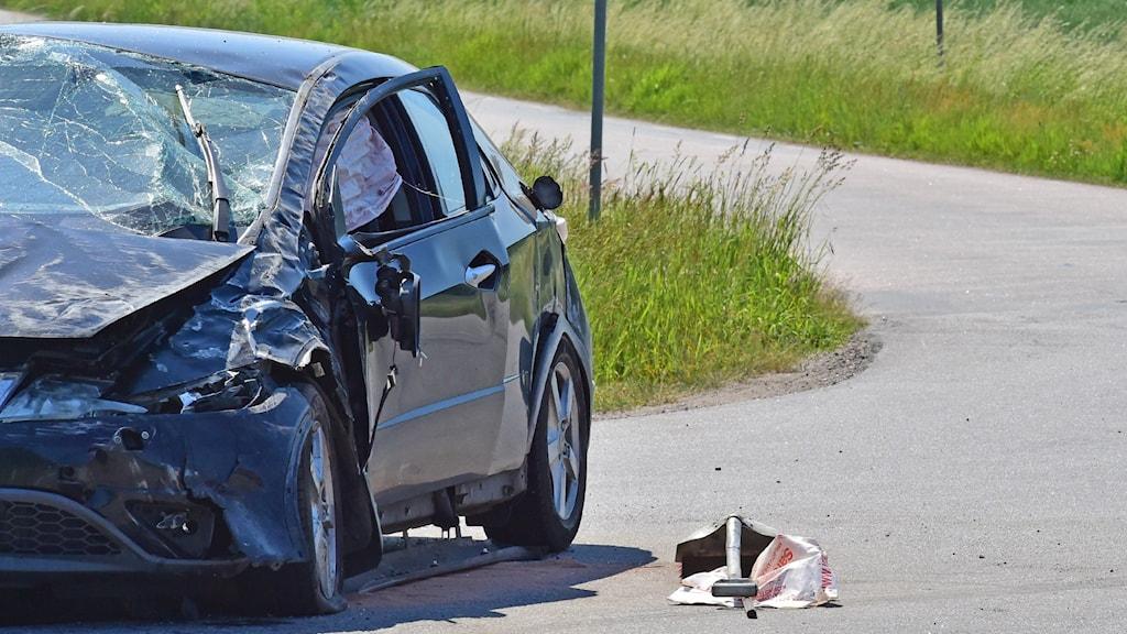 Kraschad bil efter olycka