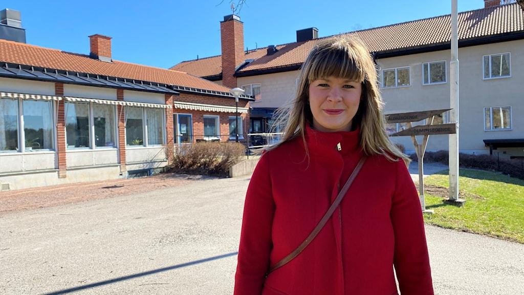 Sofia Amloh (S), ordförande vård- och omsorgsnämnden, vid Rönnlidens äldre- och demensboende i Aspa.