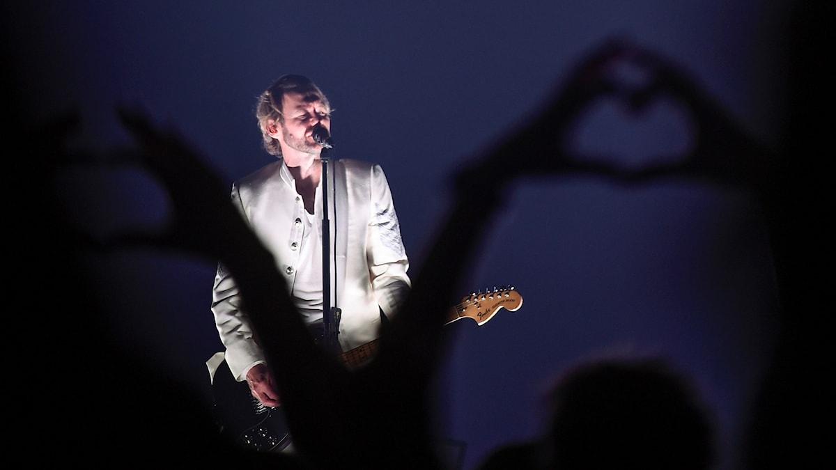 Jocke Berg på scen under Kents avskedsturnépremiär på Saab Arena i Linköping på fredagen. Turnén är gruppens sista.