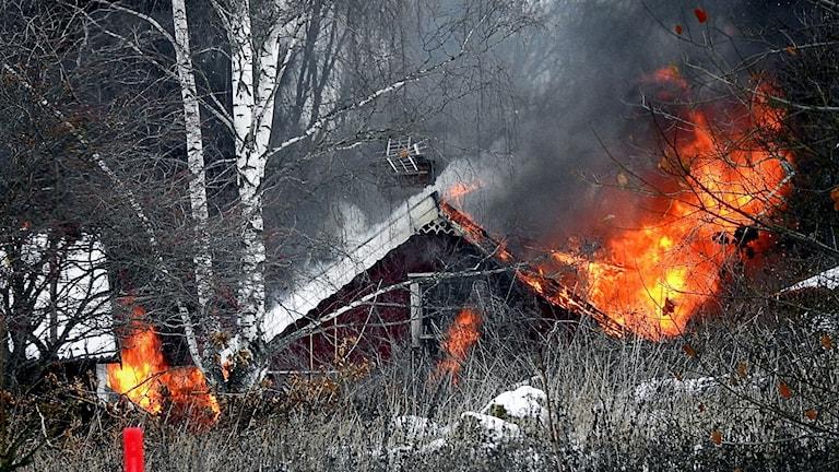 Villa brann ned i Bettna vid lunchtid på söndagen.