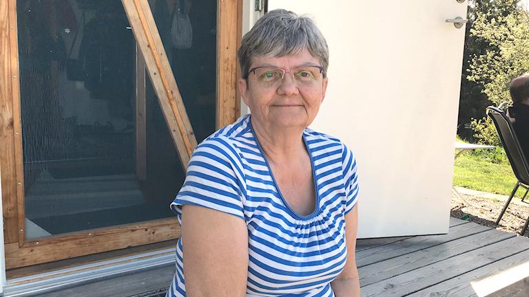 Lillemor Hedin på gården Tuddetorp, nån kilometer från Skogsbranden söder om Nyköping.