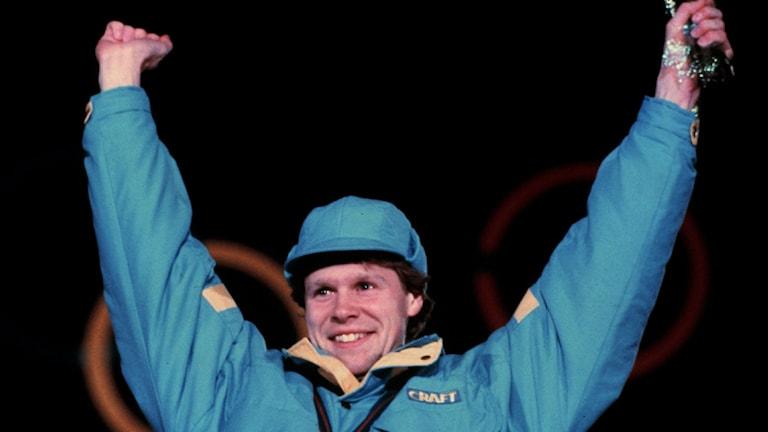 Tomas Gustavsson efter OS-gulden i Calgary 1988.