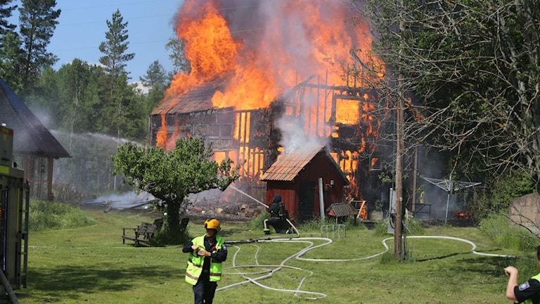 Brand i hus vid Gröndal/Stenkvista utanför Eskilstuna