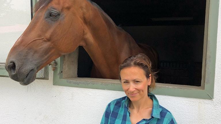 Lisen Bratt och en häst.