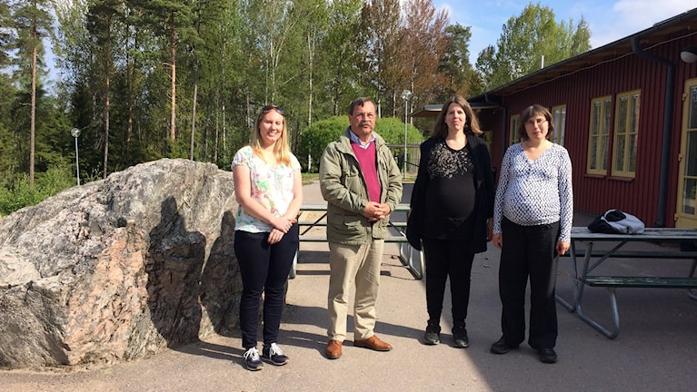 Anja Held (MP), Sven Andersson (M) och föräldrarna Linda Eriksson och Julia Örtqvist