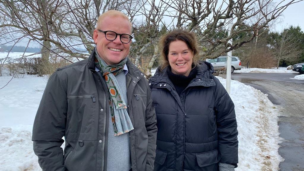 Henrik Gustafsson en av grundarna till den nya skolan och Monica Aspe, rektor på Fogdö skola