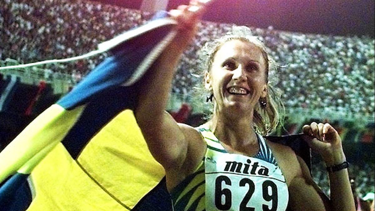 Ludmila tar emot folkets hyllningar. Foto: Scanpix.