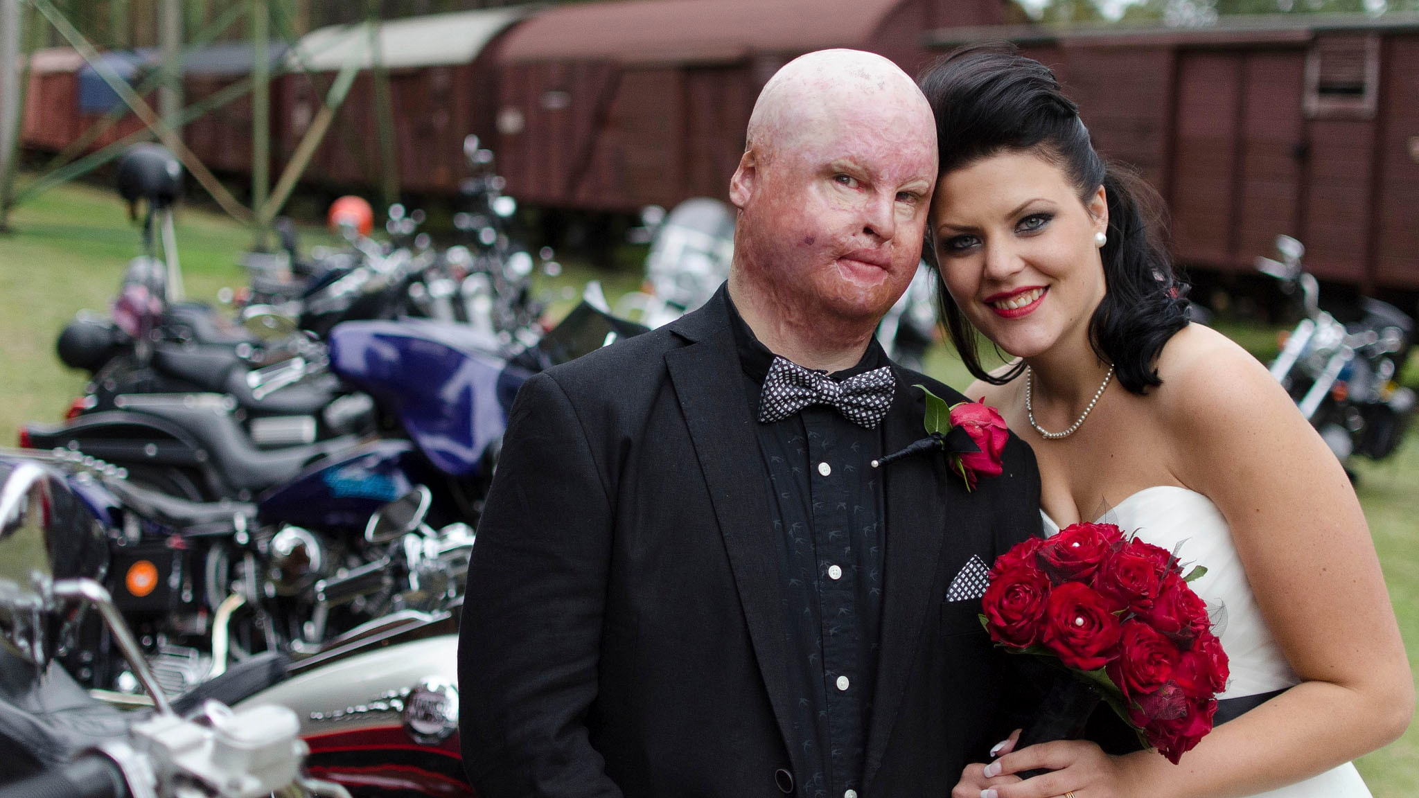Gustaf och Pernilla Seppelin. Bröllop med motorcyklar