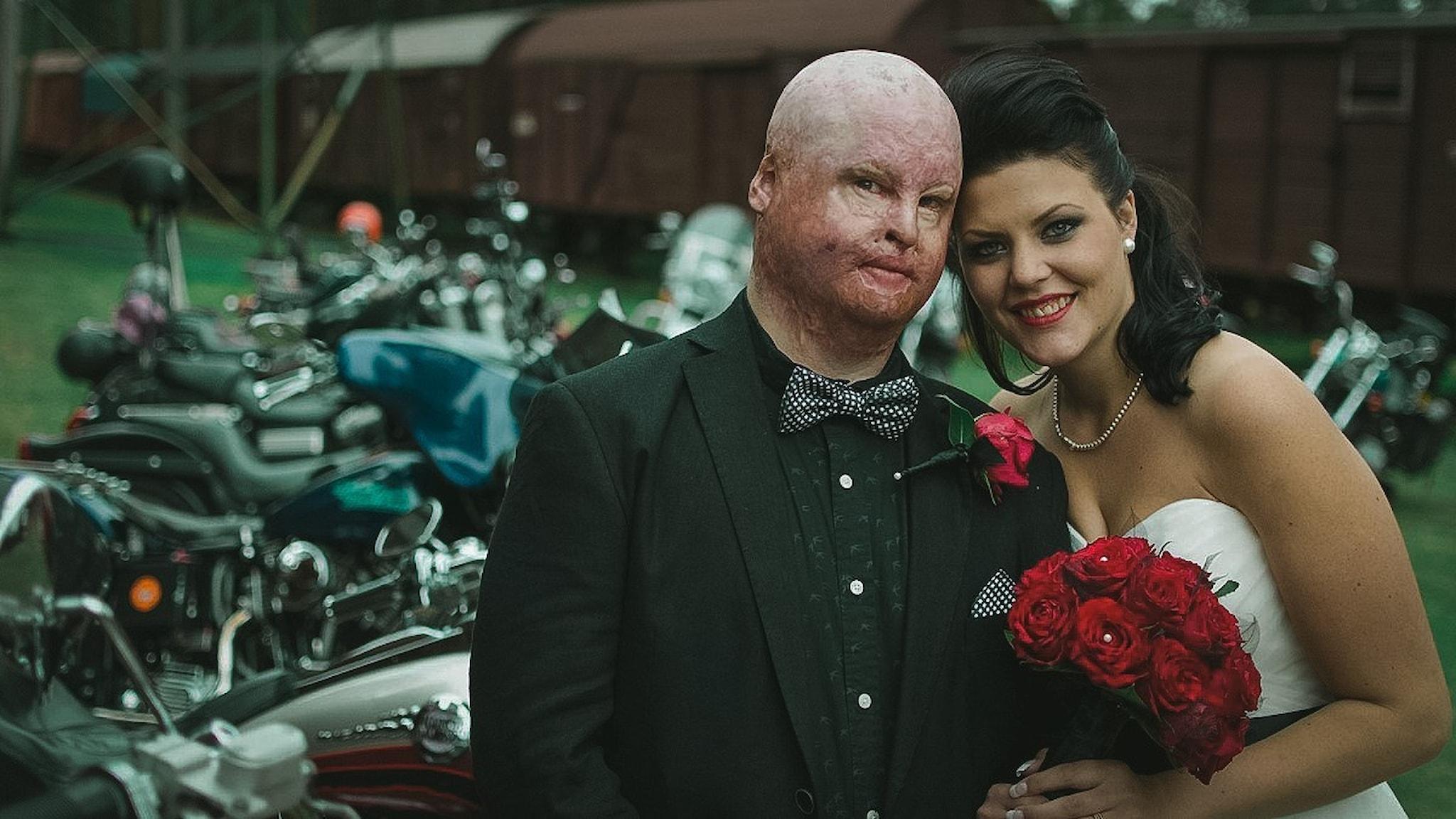 Gustaf och Pernilla Seppelin. Bröllop med motorcyklar.