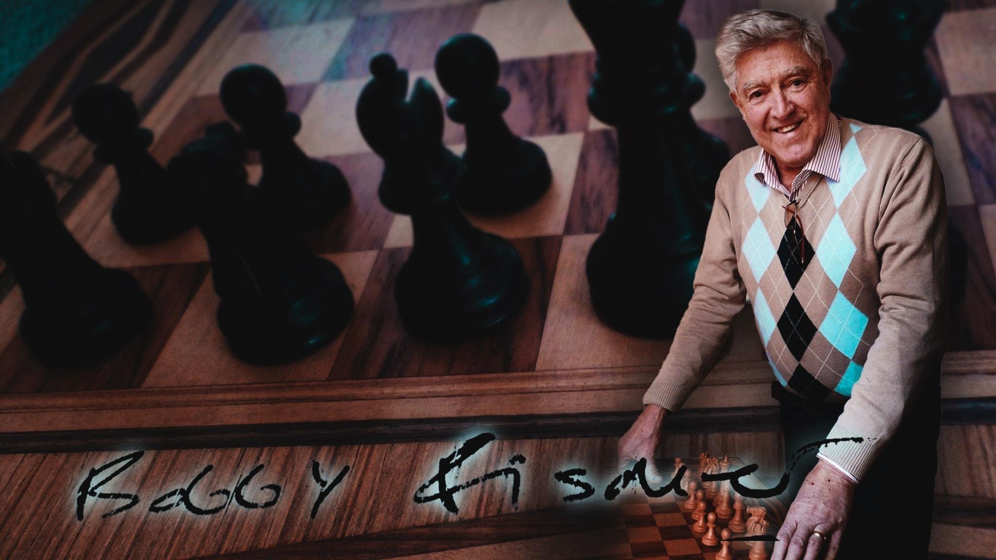 Sæmundur Pálsson vid Bobby Fischers signerade schackbräde.
