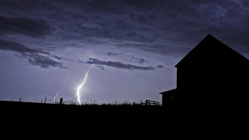 Genrebild på blixtnedslag