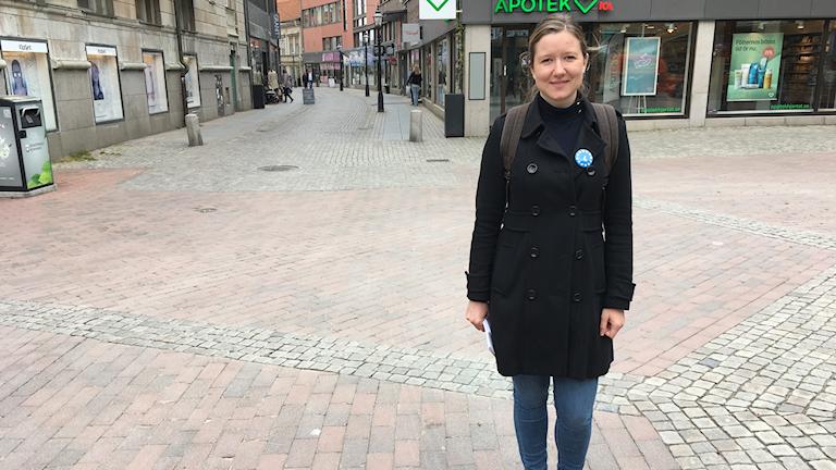 Malin Vaadre (L) från Nässjö bedriver personvalskampanj inför EU-valet.