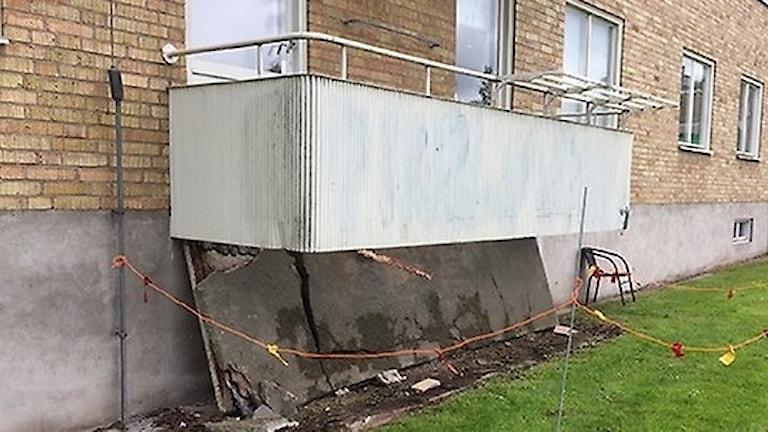 Den kollapsade balkongen i Vetlanda. Foto: Vetlanda kommun.