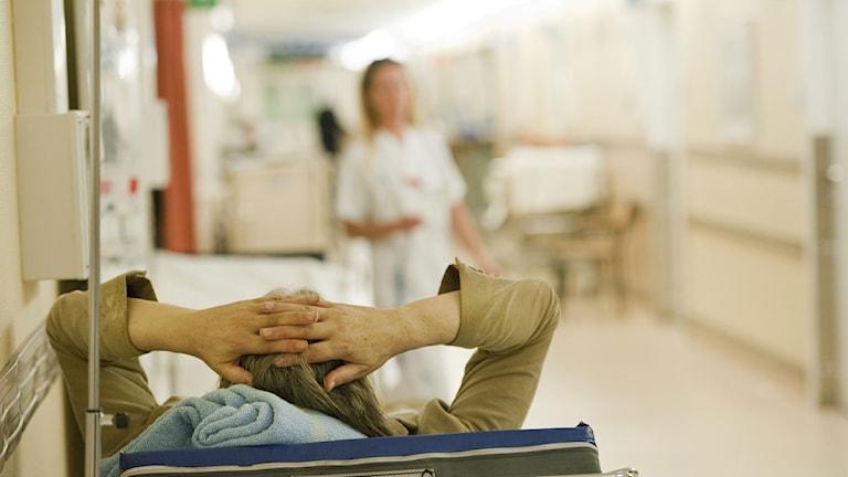 En patient på en sjuksäng. Foto: Leif R Jansson/Scanpix.