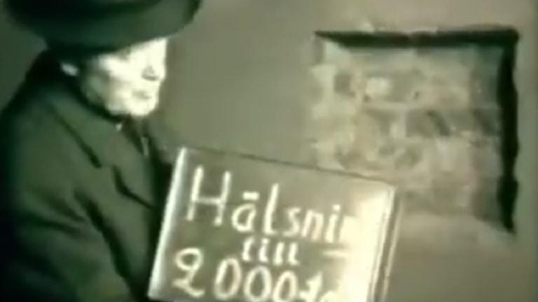 Bild från filmen där skatten på Enehagens skola muras in.