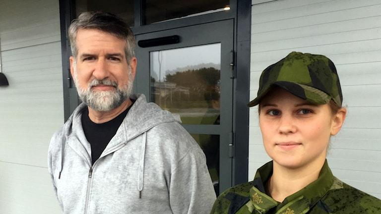 Paul Lohr, 50, ny rekryt och Ida Bengthagen, 27,  gruppchef.