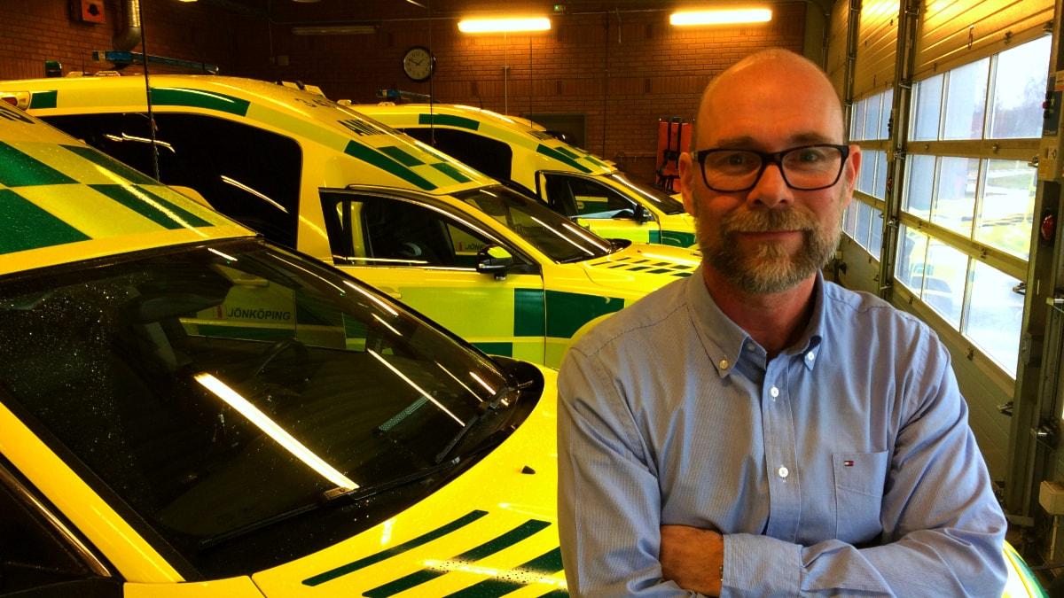 Ambulans tvingas kora sjuktaxi