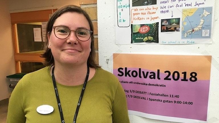 Karin Jakobson, lärare i samhällskunskap på Fenix Kunskapscentrum i Vaggeryd, där de haft flera debatter och besök av politiker.