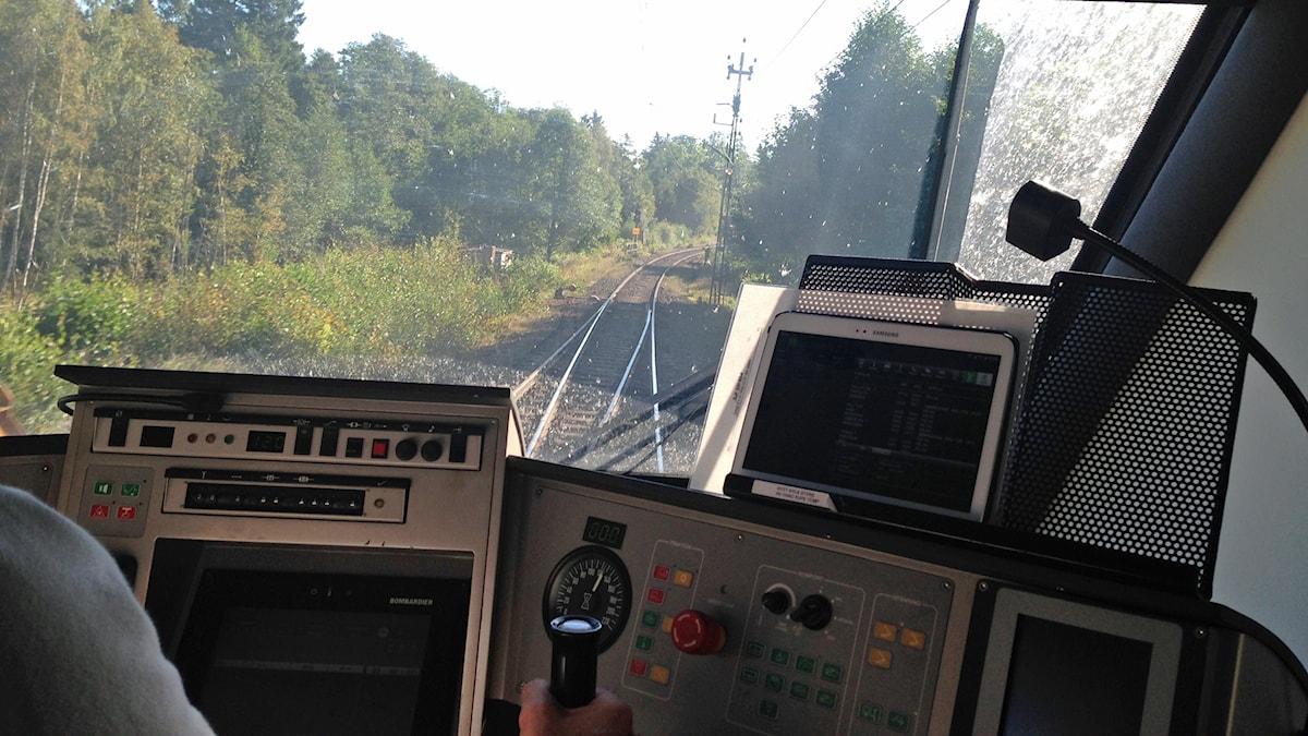 Interiör från lokförarhytt. Foto: David Westh/Sveriges Radio