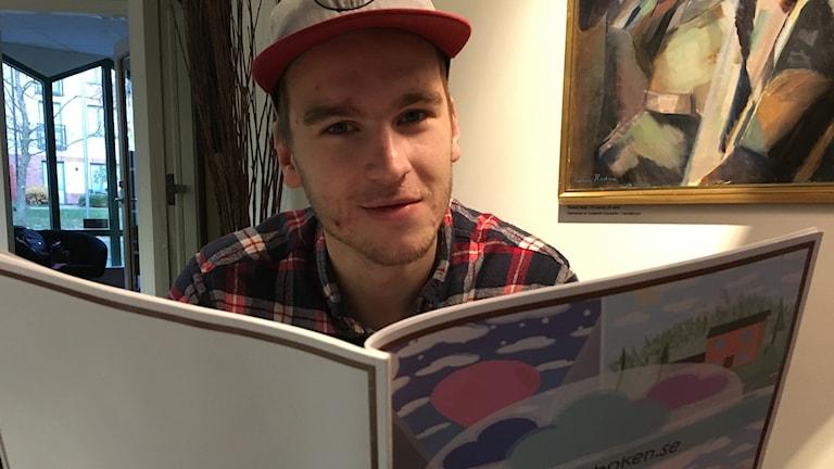 Markus Börjesson med sin drömbok